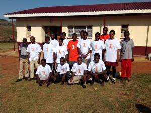 Nyatsini High ungdomar med support