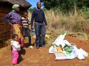 Familjen Nxumalo som Swazi Children har hjälpt sedan starten får regelbundet mat av oss.